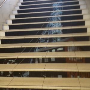 Photo du Puit Couriot sur les escaliers en contre-marches